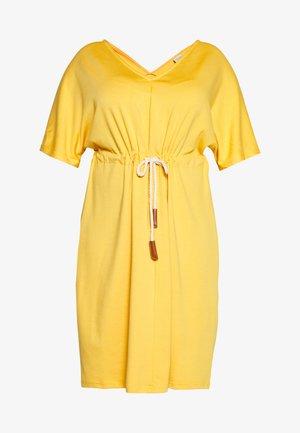 JRADORA BELOW KNEE DRESS  - Denní šaty - golden apricot