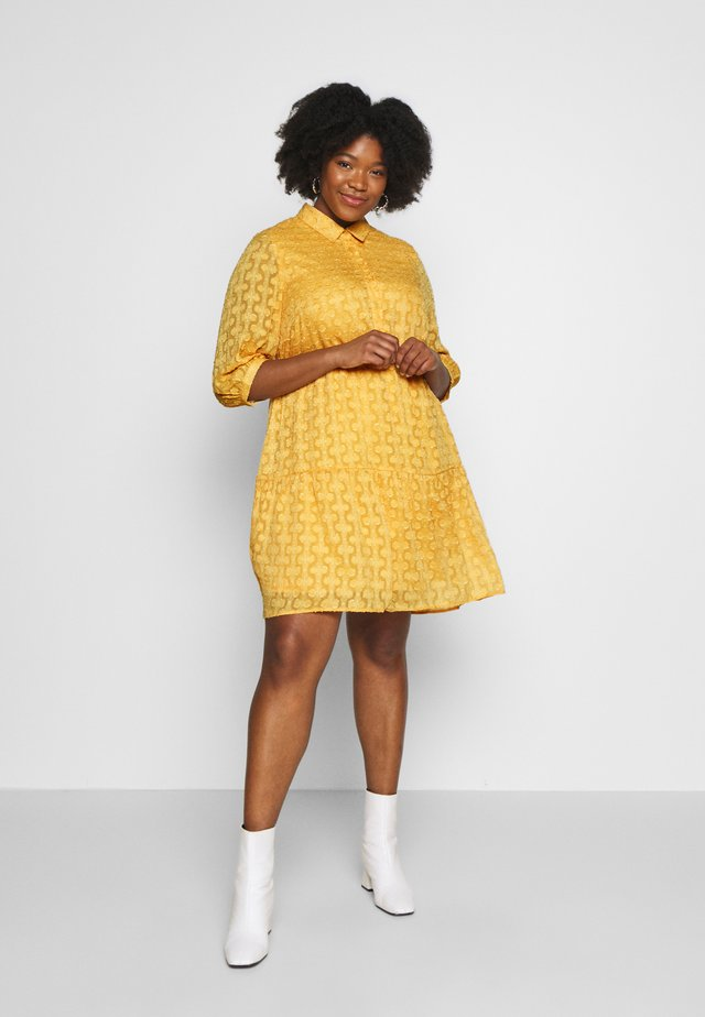 JRDAMITTA 3/4 SLEEVE KNEE DRESS - Day dress - golden apricot