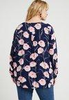 JUNAROSE - BY VERO MODA - JREMELIE VERONICA SHIRT - Bluse - navy blazer