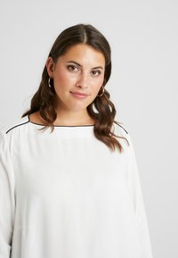 JUNAROSE - by VERO MODA - JRSHAMANTA LONG SLEEVE BLOUSE - Blouse - snow white/black - 4