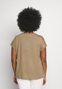 JUNAROSE - by VERO MODA - JRSOFIE O-NECK - T-shirt basique - covert green - 2
