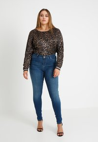 JUNAROSE - by VERO MODA - SHAPE  - Jeans Skinny - medium blue denim - 1