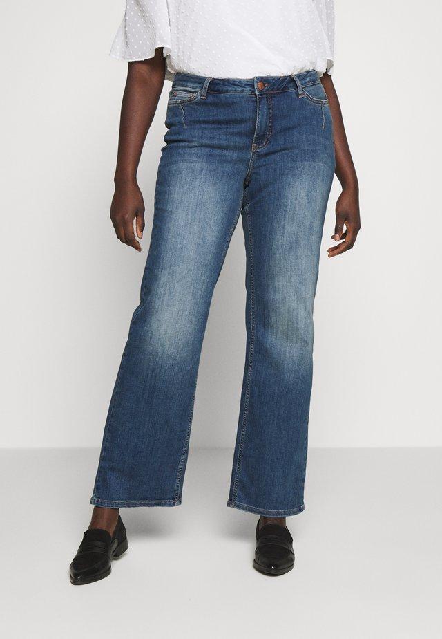 JULIVA - Džíny Straight Fit - medium blue denim