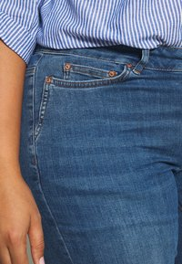 JUNAROSE - by VERO MODA - JRFIVE FIJI - Jeans Skinny Fit - medium blue denim - 3