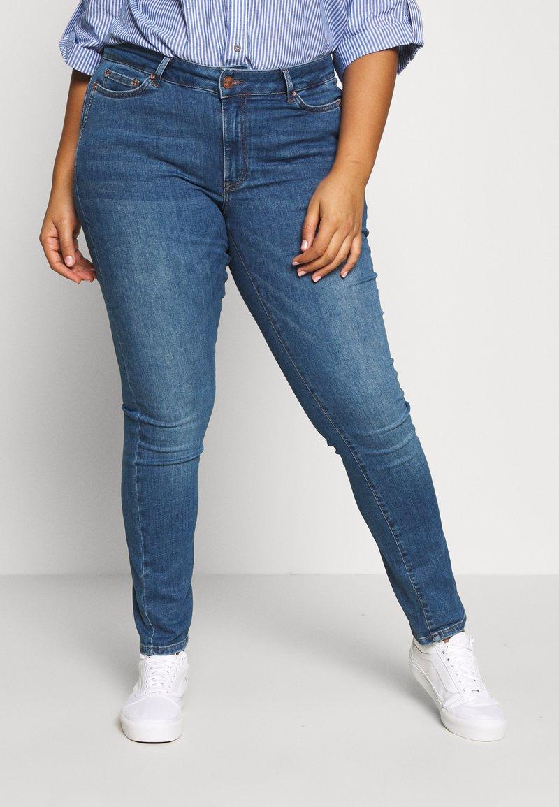 JUNAROSE - by VERO MODA - JRFIVE FIJI - Jeans Skinny Fit - medium blue denim