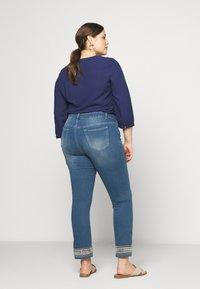 JUNAROSE - by VERO MODA - JRFIVE AVOLA ANKLE - Jeans Skinny Fit - medium blue denim - 2
