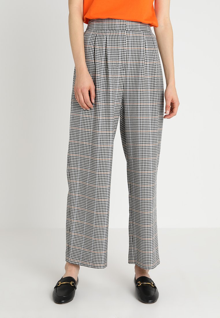 JUST FEMALE - HOLMES WIDE TROUSERS - Trousers - beige/black
