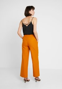 JUST FEMALE - MAX TROUSER - Kangashousut - pumpkin spice - 2