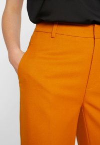 JUST FEMALE - MAX TROUSER - Kangashousut - pumpkin spice - 4
