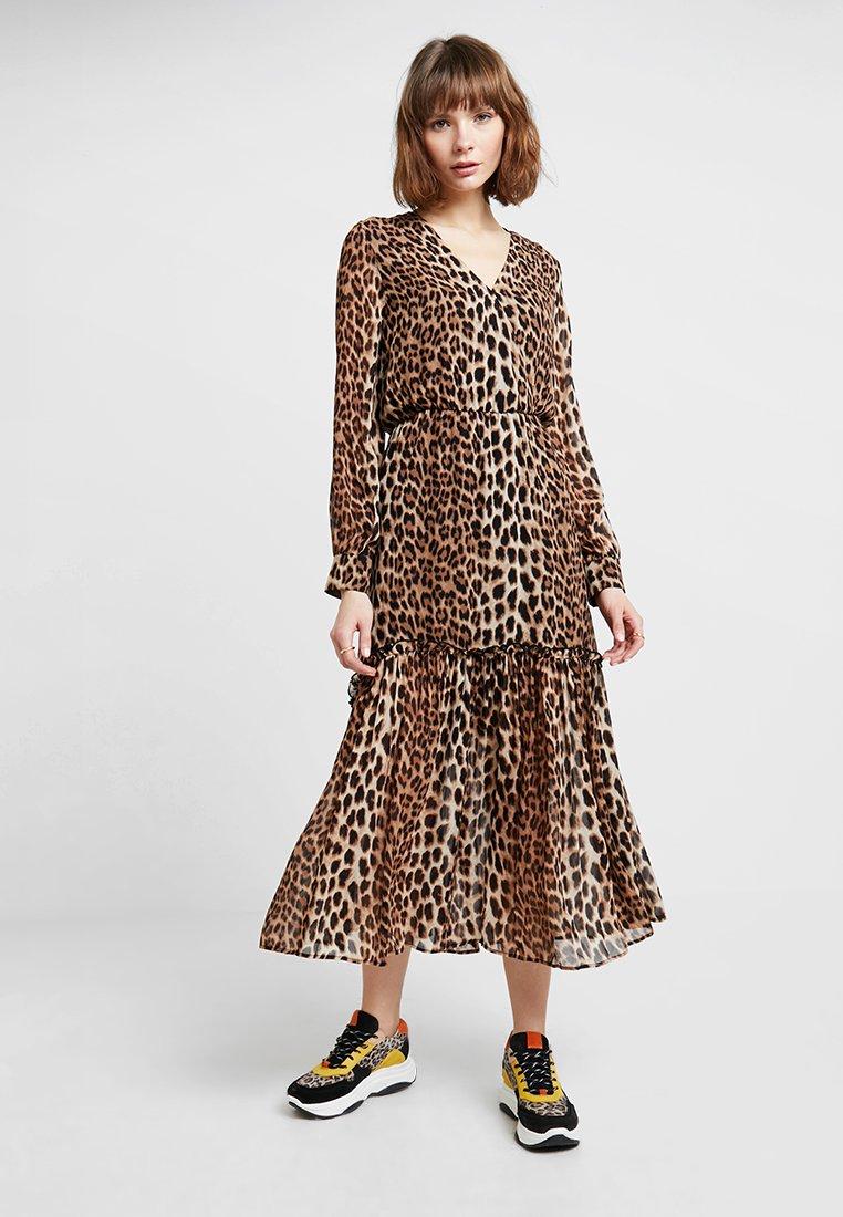 JUST FEMALE - ZOLA MAXI DRESS - Maxikleid - brown/beige