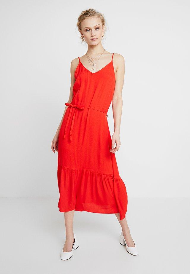 LIFE SINGELT DRESS - Maxikleid - fiery red