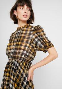 JUST FEMALE - BRIX DRESS - Maksimekko - black/yellow - 3