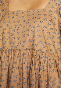JUST FEMALE - MERLE DRESS - Korte jurk - khaki - 7