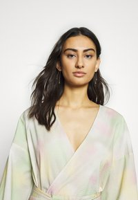 JUST FEMALE - NIKKI MAXI DRESS - Day dress - pastel tie dye - 3