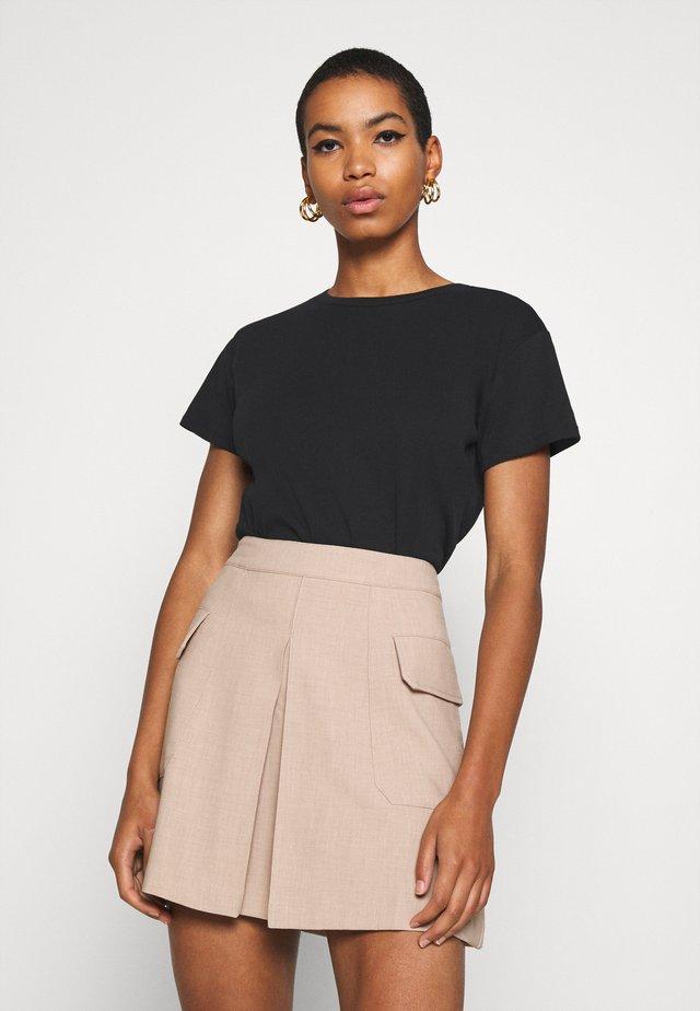 CASH TEE - T-shirts basic - black