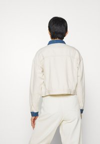 JUST FEMALE - SIKA JACKET - Giacca di jeans - off white - 2