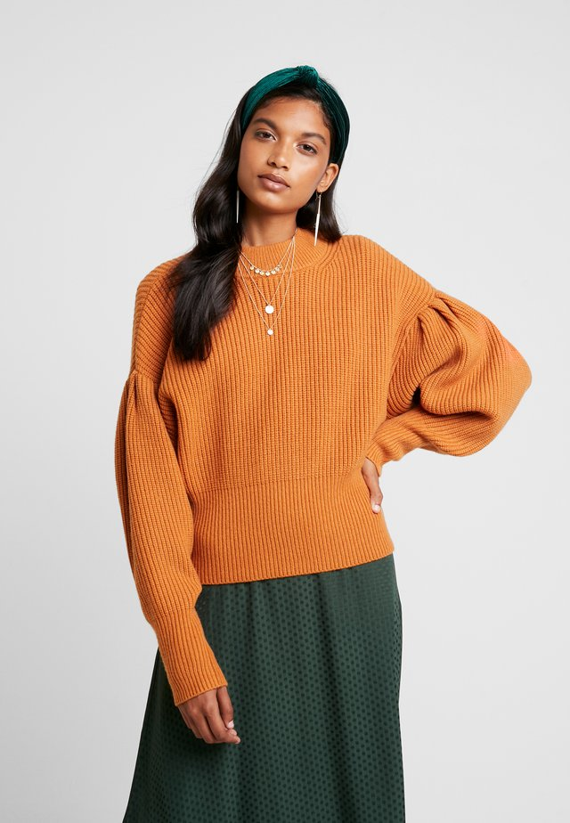 SOPHIE HIGH NECK - Stickad tröja - pumpkin spice
