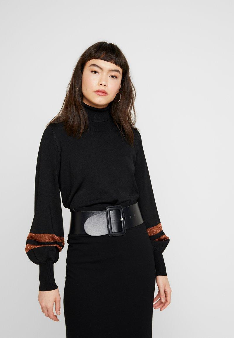 JUST FEMALE - LULU ROLL NECK - Stickad tröja - black