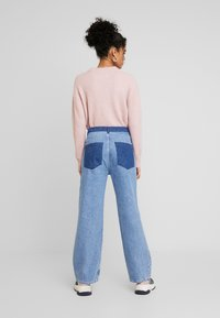 JUST FEMALE - ANGELINA TROUSERS - Flared Jeans - blue denim - 2