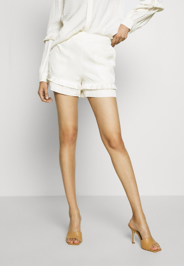 INANNA  - Shorts - off white