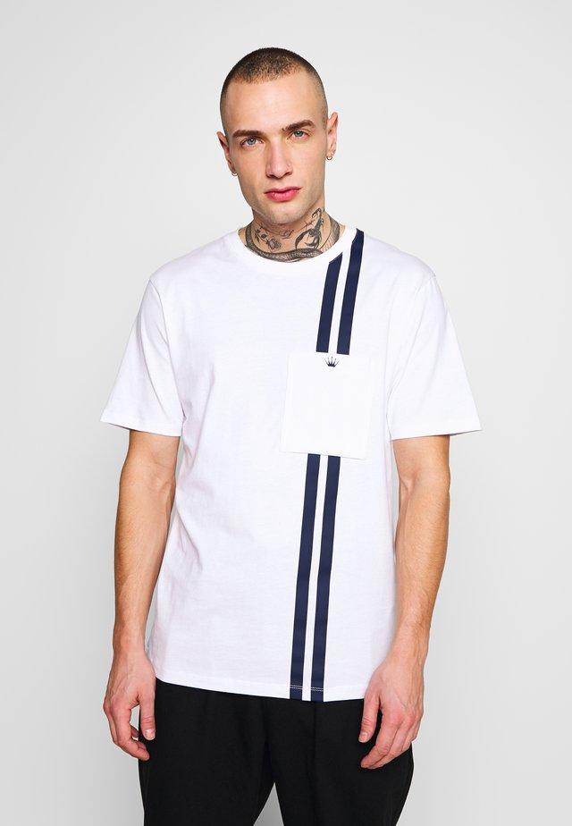 CONTRAST STRIPE TEE - Print T-shirt - white