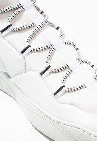 Just Cavalli - Baskets montantes - white - 5