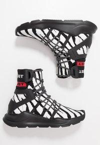Just Cavalli - Sneakers alte - black/white - 1