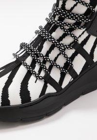 Just Cavalli - Sneakers alte - black/white - 5