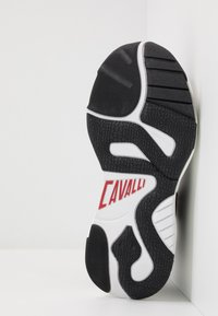 Just Cavalli - Sneakers basse - jet black - 4