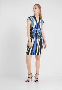 Just Cavalli - VESTITO - Pouzdrové šaty - print - 1