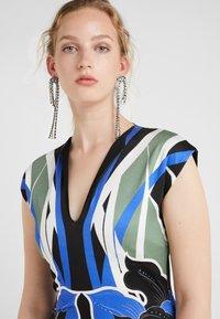 Just Cavalli - VESTITO - Pouzdrové šaty - print - 5