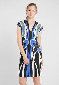 Just Cavalli - VESTITO - Pouzdrové šaty - print - 0