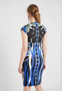 Just Cavalli - VESTITO - Pouzdrové šaty - print - 2