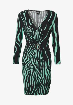 Pouzdrové šaty - black variant