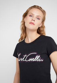 Just Cavalli - T-shirt z nadrukiem - black