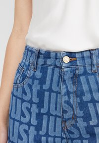 Just Cavalli - LA PANTALONE - Slim fit jeans - denim - 4