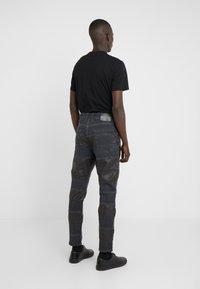 Just Cavalli - PANELLED  - Jeans slim fit - black ink - 2