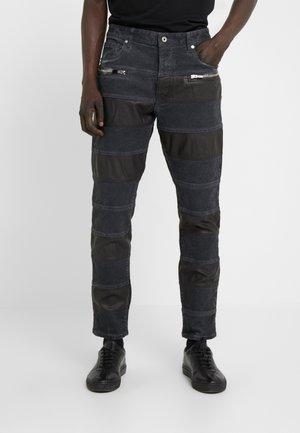 PANELLED  - Jeans Slim Fit - black ink