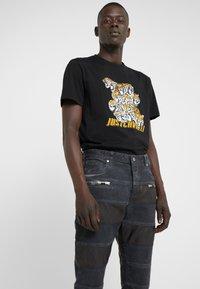 Just Cavalli - PANELLED  - Jeans slim fit - black ink - 3