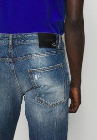 Just Cavalli - PANTS 5 POCKETS - Slim fit jeans - blue denim - 4