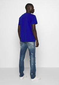 Just Cavalli - PANTS 5 POCKETS - Slim fit jeans - blue denim - 2