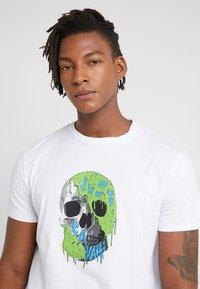 Just Cavalli - T-shirt med print - white - 3