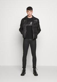 Just Cavalli - EMBELLISHED - Print T-shirt - black - 1