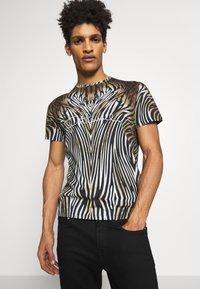 Just Cavalli - ANIMAL - T-shirt con stampa - black/brown - 3