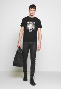 Just Cavalli - TIGER  - Print T-shirt - black - 1