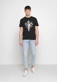 Just Cavalli - Print T-shirt - black - 1