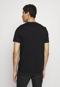Just Cavalli - LOGO - T-shirt con stampa - black - 2