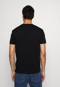 Just Cavalli - COLOUR SKULL - Print T-shirt - black - 2