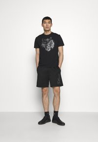 Just Cavalli - SPARKLY TIGER - Print T-shirt - black - 1
