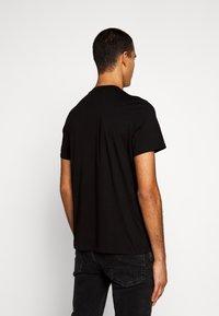 Just Cavalli - T-shirt con stampa - black - 2